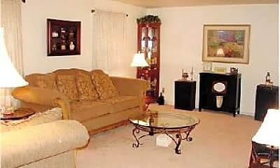 Living Room, 706 Olive St, 1