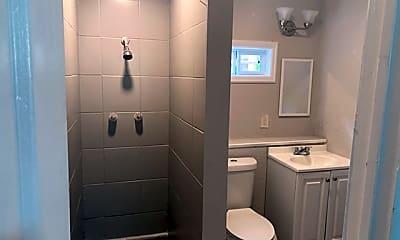 Bathroom, 902 W Lakeside Dr, 2