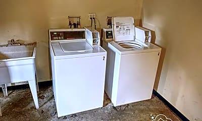 Kitchen, 7910 S Ridgeland Ave, 1