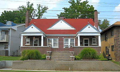 Building, 611 E Grand St, 2