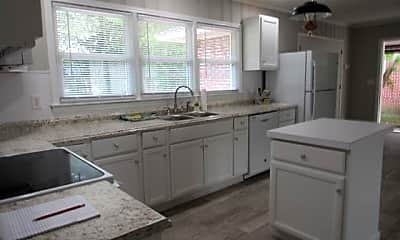 Kitchen, 1217 2nd Loop Rd, 2