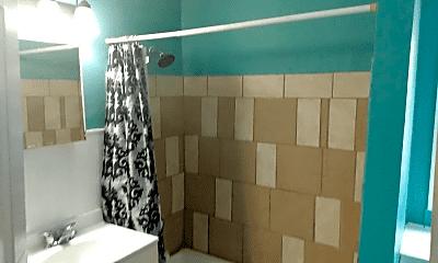 Bathroom, 5 E Custer Ave, 2