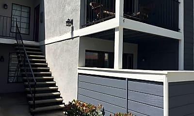 Patio / Deck, 5165 Walnut Ave, 1