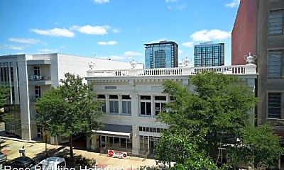 Building, 307 Main St, 1