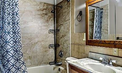 Bathroom, 685 St Marie St, 2