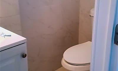 Bathroom, 2130 Garfield St 32, 0