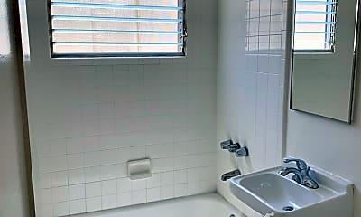 Bathroom, 121 N La Peer Dr, 2