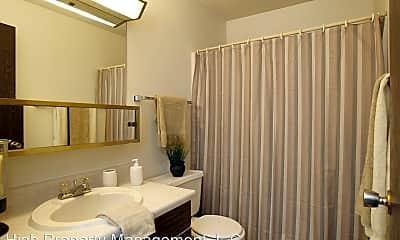 Bathroom, 3424-3435 Hemlock Pl. NE, 2