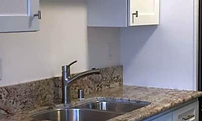 Kitchen, 4630 Venice Blvd, 1