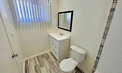 Bathroom, 433 S Hobart Blvd, 2