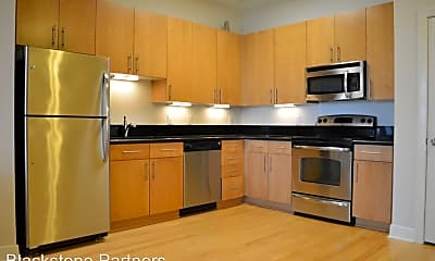 Kitchen, 7707 Bluebonnet Blvd, 1