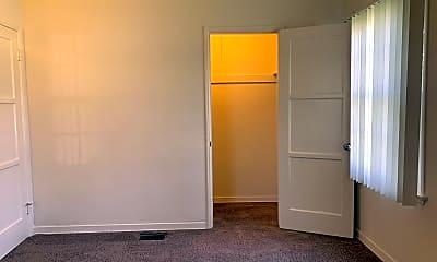 Bedroom, 1042 W Glenoaks Blvd, 2
