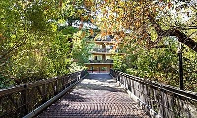 Creekside Glen Apartments, 1