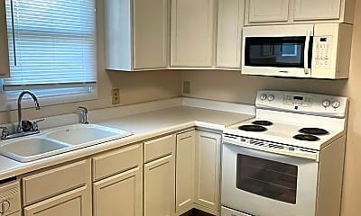 Kitchen, 236 Kenneth Blvd, 1