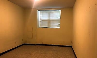 Bedroom, 2704 College St, 2