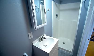 Bathroom, 941 M St SW, 2