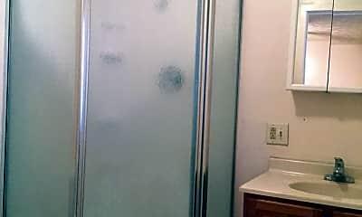 Bathroom, 671 Oak St, 2