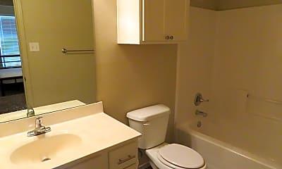 Bathroom, 2106 10th St, 2