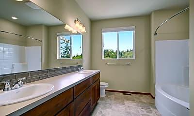 Bathroom, 5209 Glenwood Ave, 2
