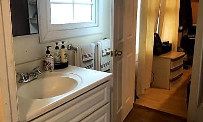 Bathroom, 3176 Valle Ave, 2