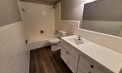 Bathroom, 615 Vance Jackson Rd 102, 2