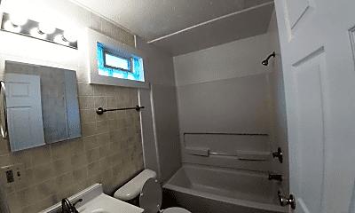 Bathroom, 1105 S Reisner St, 1
