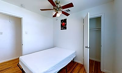 Bedroom, Room for Rent - Houston PadSplit 0.3 miles to bus, 2