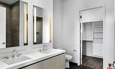 Bathroom, 2435 S Sepulveda Blvd PH 202, 1