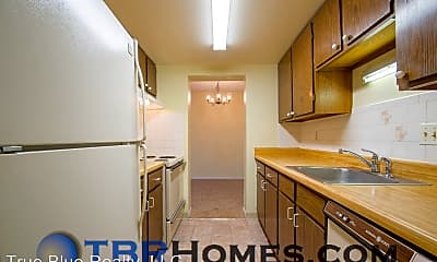 Kitchen, 7770 W 38th Ave, 1
