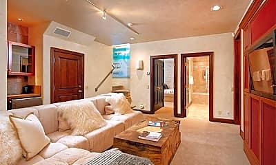 Bedroom, 945 E Cooper Ave, 2