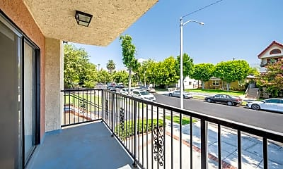 Patio / Deck, 2243 N Catalina St A, 1