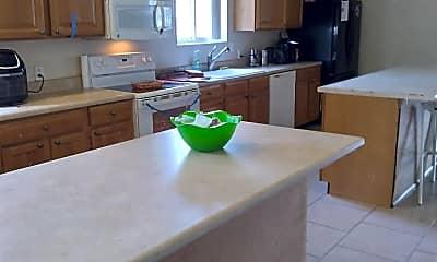 Kitchen, 323 W Walnut St, 0