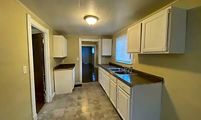Kitchen, 1031 Harding Dr, 2