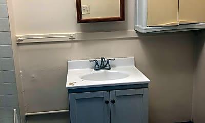 Bathroom, 55 Diamond St, 1