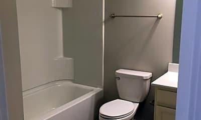 Bathroom, 480 Sunset Park Dr, 2