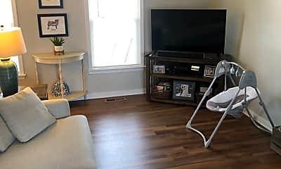 Living Room, 1703 Danhurst Dr, 2