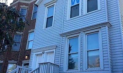 Building, 1141 W Addison St, 0