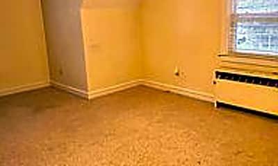 Bedroom, 1105 W Main St 2, 1