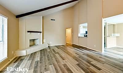 Living Room, 1518 Washington Dr, 1