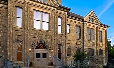 Building, 1105 N Court St, 0