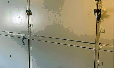 Bathroom, 50 Carey Ave, 2