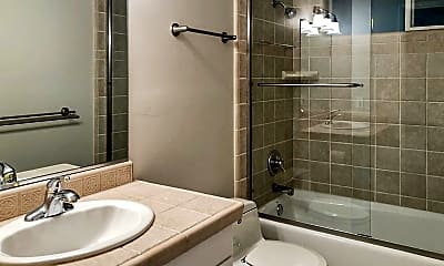 Bathroom, 17 Oak Knoll Rd, 2
