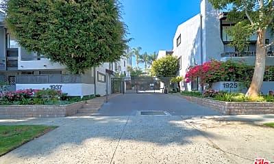 1937 S Beverly Glen Blvd 47, 2