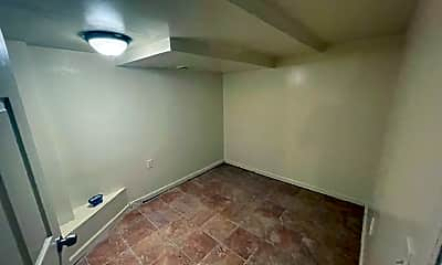 Bedroom, 3012 Ohio Ave, 2