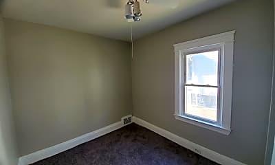 Bedroom, 4019 E 143rd St, 1