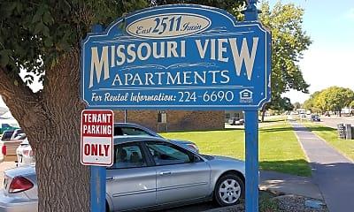 Missouri View Apartments, 1