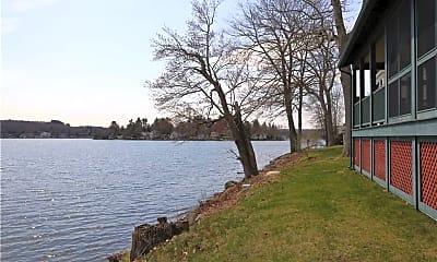 300 Bantam Lake Rd 7, 2