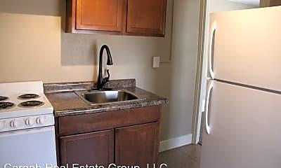 Kitchen, 402 6th St SW, 1