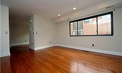 Living Room, 840 S American St, 1