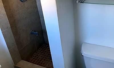 Bathroom, 1032 S Redondo Blvd, 2